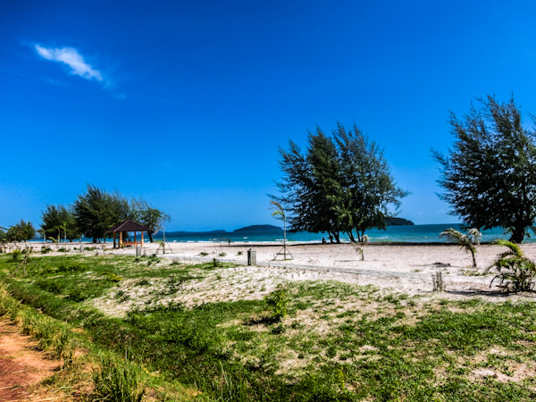 otres beach cambodia photo ooaworld Rolling Coconut