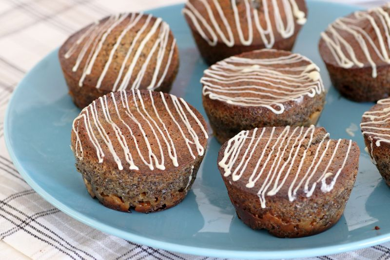 White Chocolate Poppy Seeds Muffins