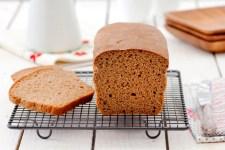 לחם מקמח מלא ב-5 מצרכים