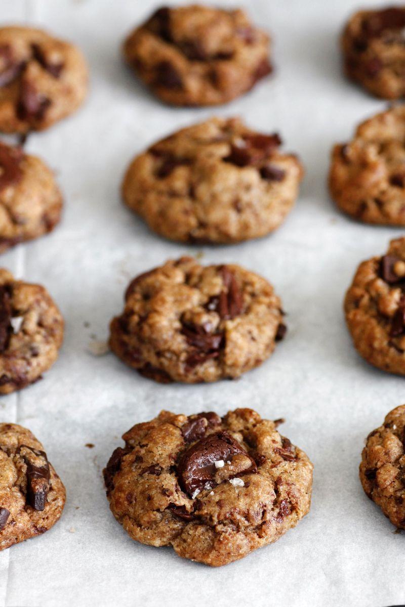 עוגיות שוקולד צ'יפס טבעוניות עם שמן זית וקמח כוסמין מלא