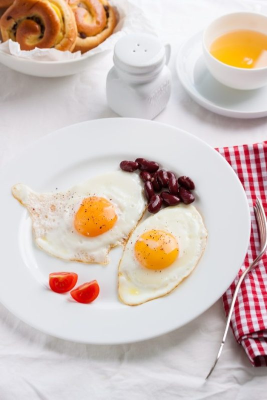 fried-eggs-in-a-dish