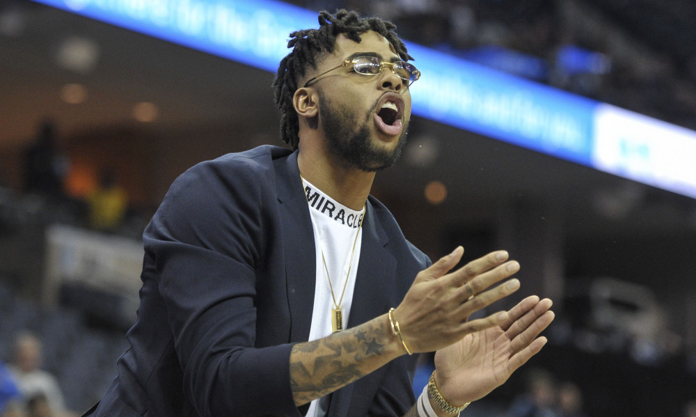 DAngelo Russell Was Td Up For Clapping On The Bench