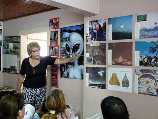 https://i1.wp.com/www.openminds.tv/wp-content/uploads/Silvia-Perez-en-museo1.jpg