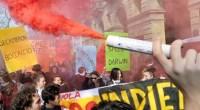 """Redazione, Migliaia di studenti hanno sfilato in tutta Italia per protestare contro la riforma della scuola del governo Renzi. """"In piazza 50 mila studenti, abbiamo sfiduciato il governo. Vogliamo costruire un'alternativa di scuola, di paese e d'Europa"""". E' il bilancio della mattinata di protesta che ha visto 40 cortei in tutto il Paese convocati dall'Unione degli Studenti """"contro l'idea di scuola contenuta nelle linee guida del Governo che verranno presentate al consiglio dei ministri, e per supportare le proposte dell' Altrascuola"""". ANSA Fumogeni e sassi a corteo di Milano–Lancio di fumogeni e sassi all' esterno di Palazzo Lombardia, sede […]"""