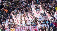 """Da piazza Statuto a piazza Castello: sotto la mole sfila la marcia dei NO-TAV che è anche una risposta alla manifestazione della maggioranza silenziosa del SI Tav di un mese fa. Una manifestazione con una partecipazione doppia di quella della maggioranza silenziosa La manifestazione della maggioranza silenziosa era stata organizzata dai padroni con la partecipazione di Pd e Lega. Contestato il vice sindaco di Torino che partecipava alla manifestazione NO-TAV Toninelli rtiprende il ritornello: """"Analisi costi benefici rende più consapevole e informata la discussione pubblica"""" Dopo aver venduto i NO TAP Pugliesi i truffatori del M5S si preparano a […]"""