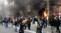 """Per più di cinque giorni in Iran """"spenta"""" la rete. Nessun collegamento, nessuna notizia. Nel frattempo dai 200 ai 400 morti fra i manifestanti, oltre 5000 arresti. Assaltate banche, supermercati e commissariati di polizia."""