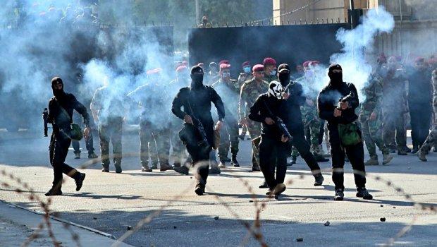 Bagdad, Nassiriya, Karbala, Mosul... 500 morti da ottobre, 10000 feriti. Il regime democratico instaurato dalle grandi potenze occidentali, risponde alle proteste per il pane e contro la corruzione sparando sulla folla. E i soldati italiani? Collaborano col governo.