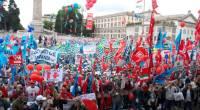 Il 16 novembre il Circo Massimo a Roma era pieno di bandiere sindacali. Un calderone di rivendicazioni fumose ma nessuna prova di forza reale contro il governo per una vera rivalutazione della pensione.