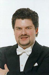 Alberto Hold-Garrido dirigent utbildad i Köpenhamn
