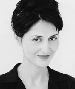 Jacqueline Antaramian sopran med engagemang på Metropolitan Opera