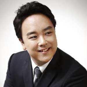 Ho – Yoon Chung – tenor