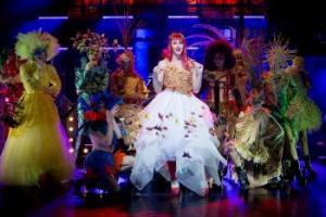 Kinky Boots med en klart lysande stjärna på Malmö Opera