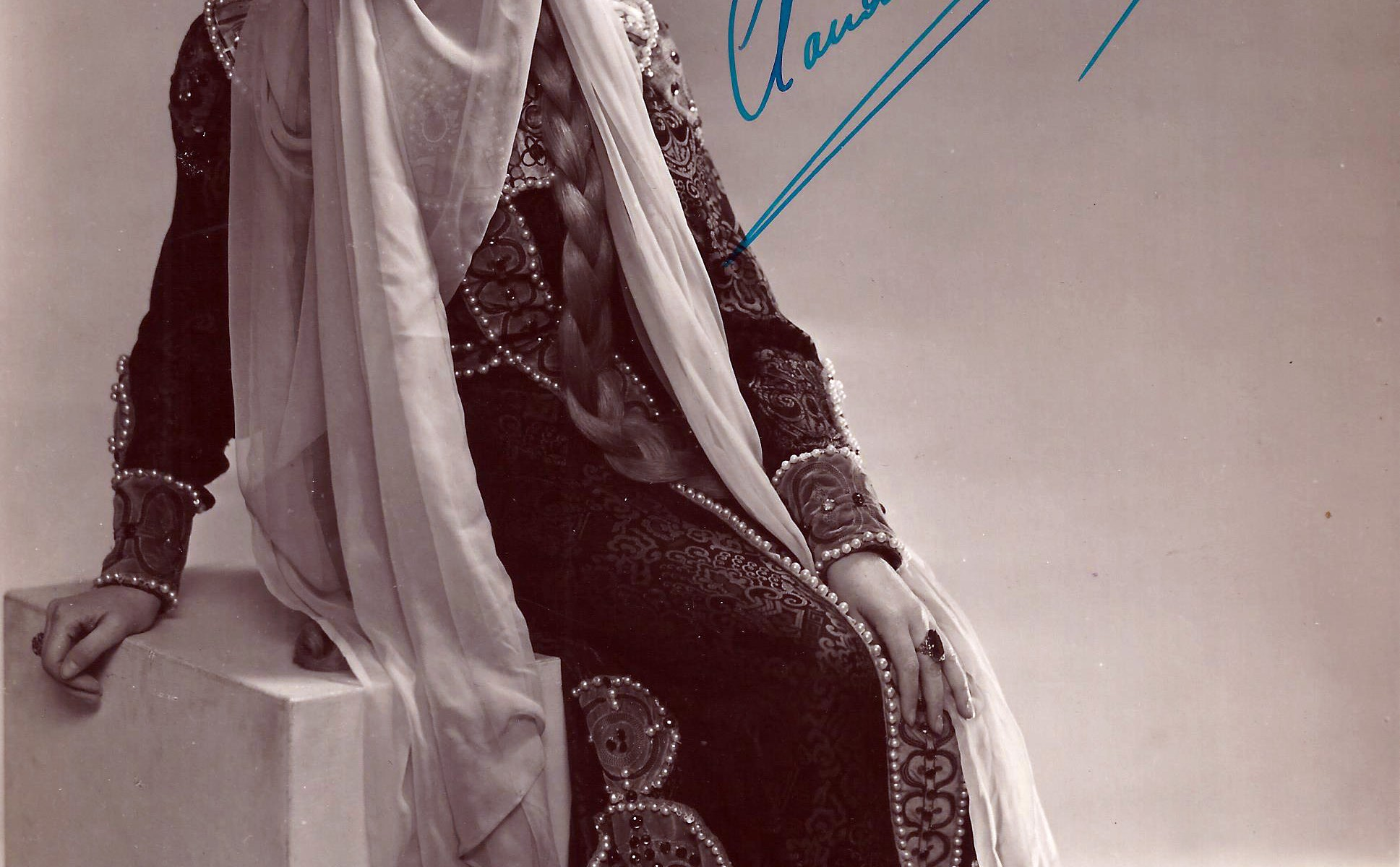Boons, Claudine as Jaroslavna in Le Prince Igor