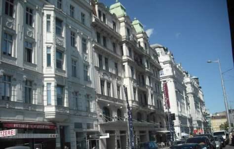 Theater an der Wien, Straßenfront