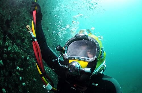 navy diver - best navy jobs
