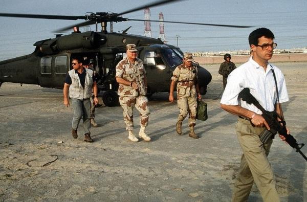 Delta Force Operators Escort General Schwarzkopf - Gulf War 1991