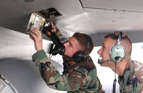 air force aircraft mechanic