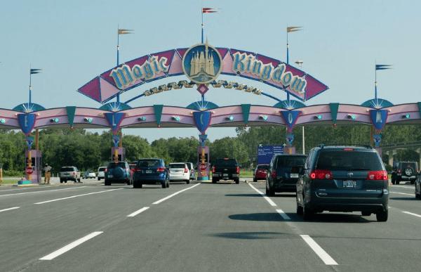 magic kingdom disney main gate entrance