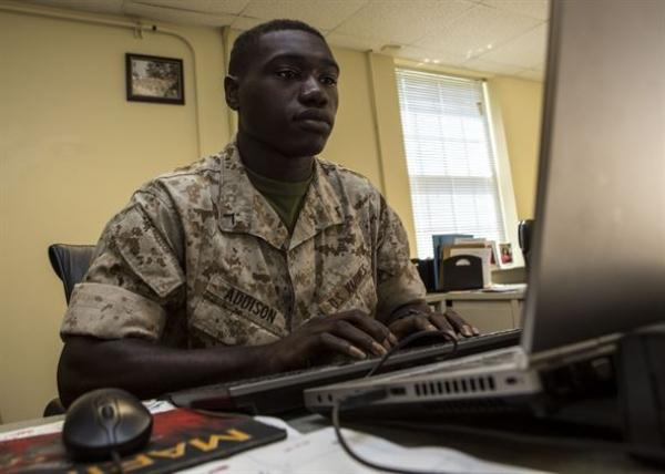 admin specialist marines