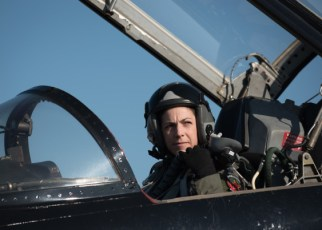 Navy Pilot vs. Air Force Pilot