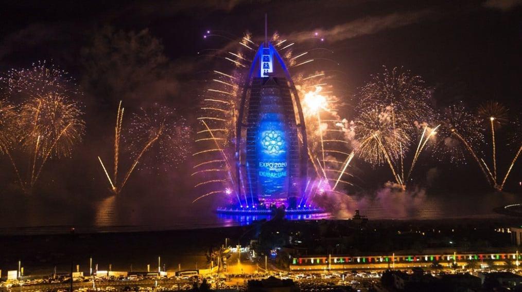 Burj-Al-Arab-UAE-National-Day-2014-Expo-celebration
