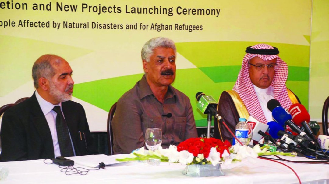 Px17-021 ISLAMABAD: May17 - Federal Minister for SAFRON Lt. General (Retd) Abdul Qadir Baloch and Ambassador of Saudi Arabia hold a joint press conference at Embassy of Saudi Arabia. ONLINE PHOTO by Waseem Khan