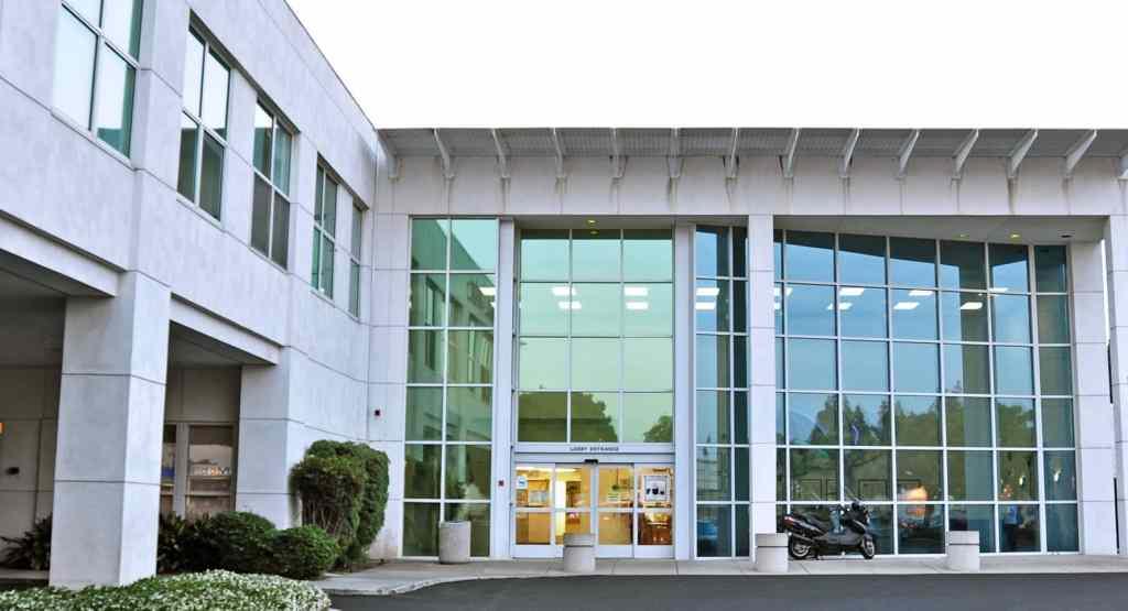 Waismann Method rapid detox treatment center exterior photo of hospital where medical detox is performed