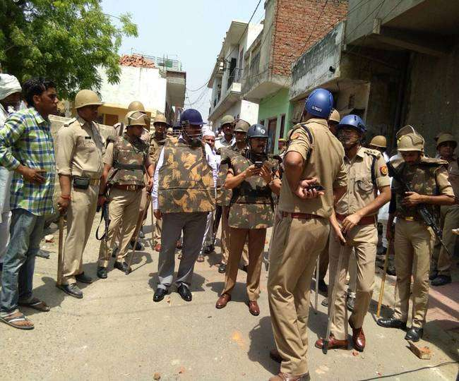 A 'particular community' attacks and pelts stones on Janmashtami procession in Uttar Pradesh