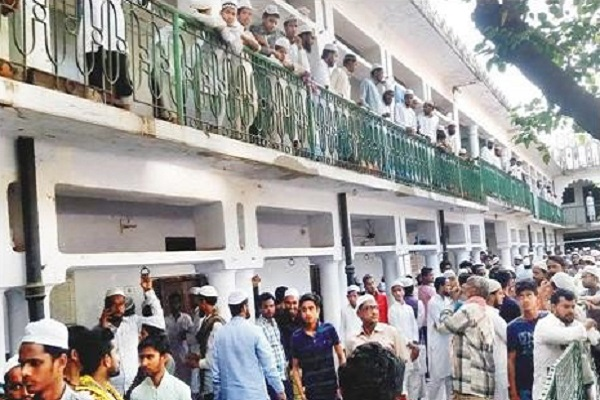 NIA raids UP madrasa in connection with a terror suspect who used to study there