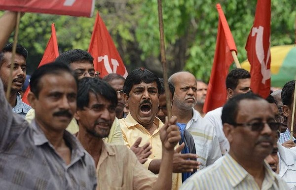 Strike called by 16 left parties in West Bengal turns out to be a flop