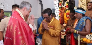 Singapore PM leads 40,000 devotees in a Puja at newly renovated 164 year old Hindu temple