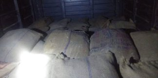1000 kg of Potassium nitrate was loaded in 27 gunny bags