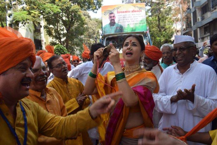 Congress leader Urmila Matondkar uses Wg Co Abhinandan's posters in her rallies