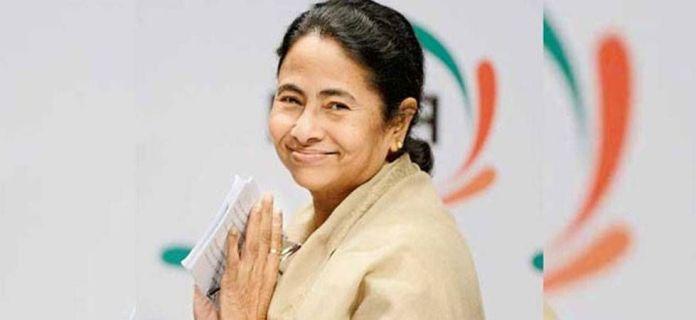 Mamata banerjee denies permission to Rahul Gandhi's chopper landing in Siliguri