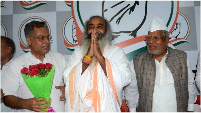 Acharya Pramod criticises Shatrughan Sinha