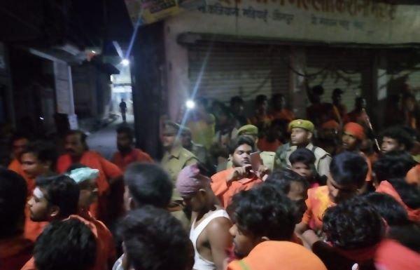 Two Kanwariyas beaten up