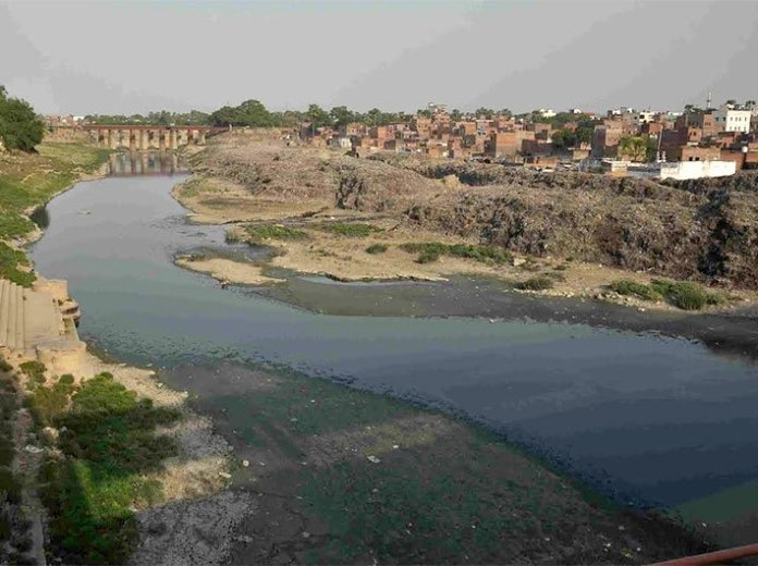 NGT confirms presence of blood of animals through illegal slaughterhouses present in Varuna river