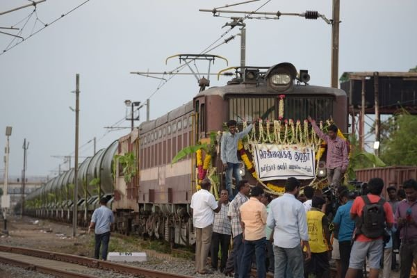 Indian Railways delivers water to Chennai