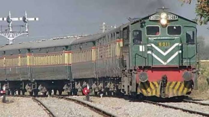 Pakistan bans Samjhauta Express permanently, asks India to send a driver to take the train back