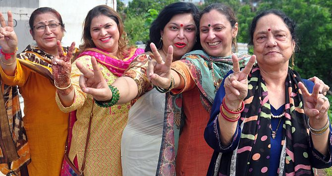 Kashmiri Pandit women in celebratory mood after news about scrapping of Article 370 hits