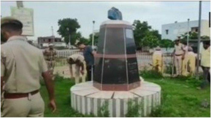 A statue of Shyama Prasad Mukherjee vandalised in Bhilwara district, Rajasthan