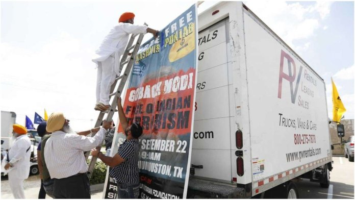 Khalistani terrorist sympathisers and Pakistan-sponsored Islamist goons have gathered to protest against PM Modi's mega event in Houston