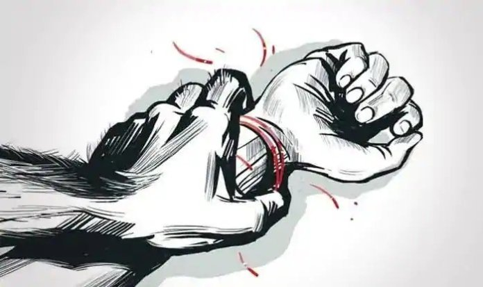 Bareily girl alleges love jihad, forced conversion, rape and torture by Azhar and his friends, case registered