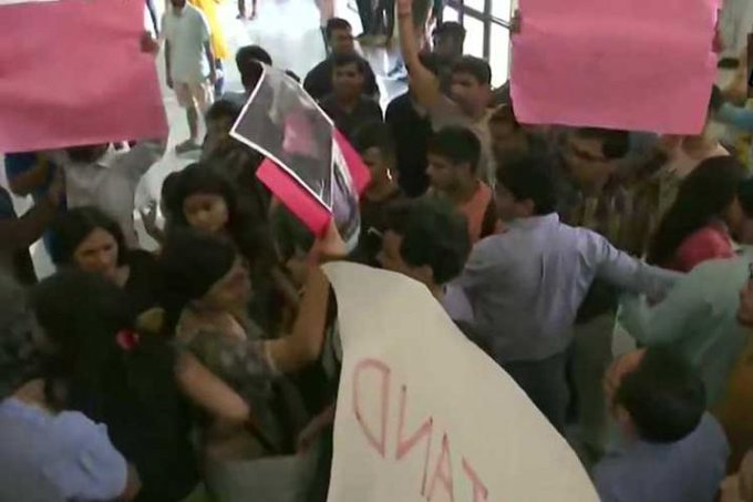 Clashes between AISA and ABVP members AT JNU Convention centre yesterday ahead of Union Minister Jitendra Singh's seminar