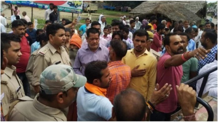 Hindus taking Hanuman idol to be installed at local temple attacked by Muslim mob in Bijnor, UP