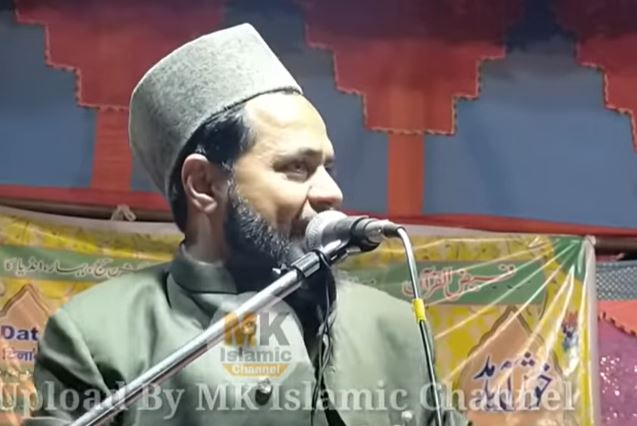 Maulana Jarjis Ansari is seen inciting Indian Muslims to take up arms against the government of India. He is also seen spreading misinformation that the the government is stripping Muslims of citizenship