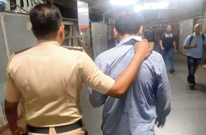 I kept asking but no one came to help: Mumbai lawyer chases molester Javed at Dadar station even as a bystander empathises with accused