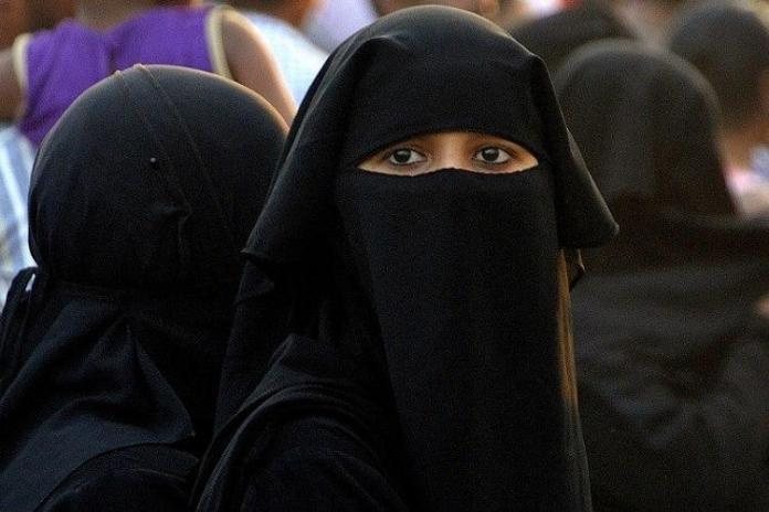 Sri Lanka mulls ban on Burqa, special report on security says police should have right to ask that Burqa be removed to establish identity