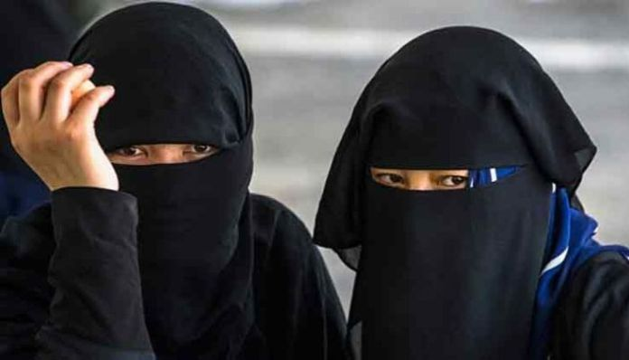Muslim girls harassed by locals for not wearing Burqa to college in Khurja, Uttar Pradesh