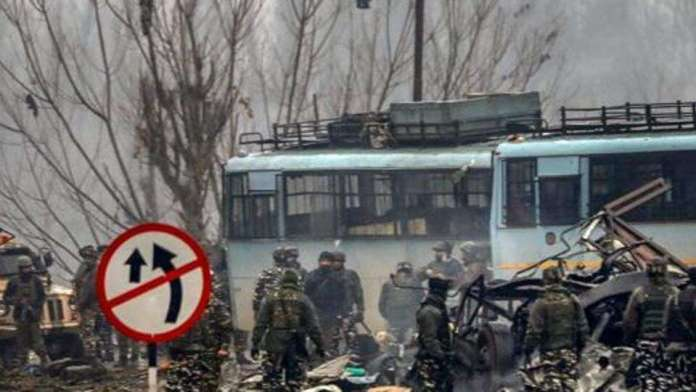 NIA arrests Pulwama resident Tariq Ahmed Shah and his daughter for helping JeM terrorists who had carried out the last year's suicide attack on CRPF convoy